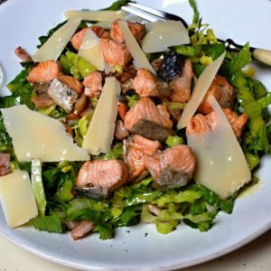 caesar salát s lososem low carb recept