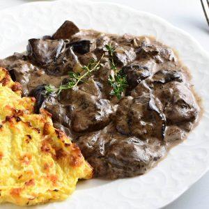 houbový low carb guláš recept
